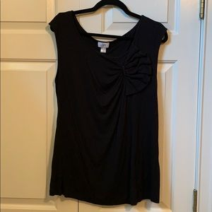 Black Loft shell with bow detail. XL